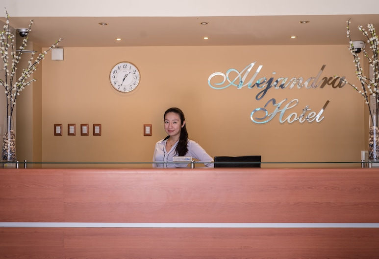 Alejandra Hotel, Chiclayo, Meja Sambut Tetamu