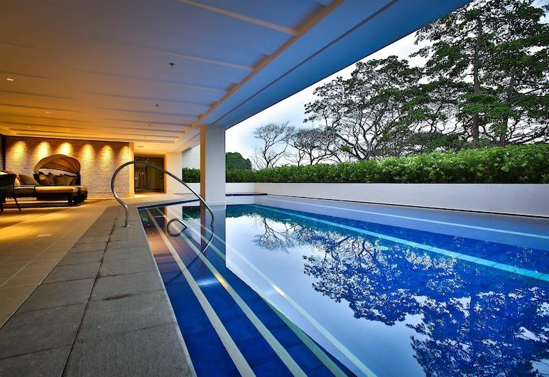 โรงแรมเบสท์เวสเทิร์นพลัส เดอะไอวีวอลล์, ปัวร์โตปรินเซซา, สระว่ายน้ำกลางแจ้ง