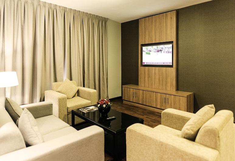 Emirates Plaza Hotel, Abu Dhabi, Standaard suite, 1 tweepersoonsbed met slaapbank, Woonkamer