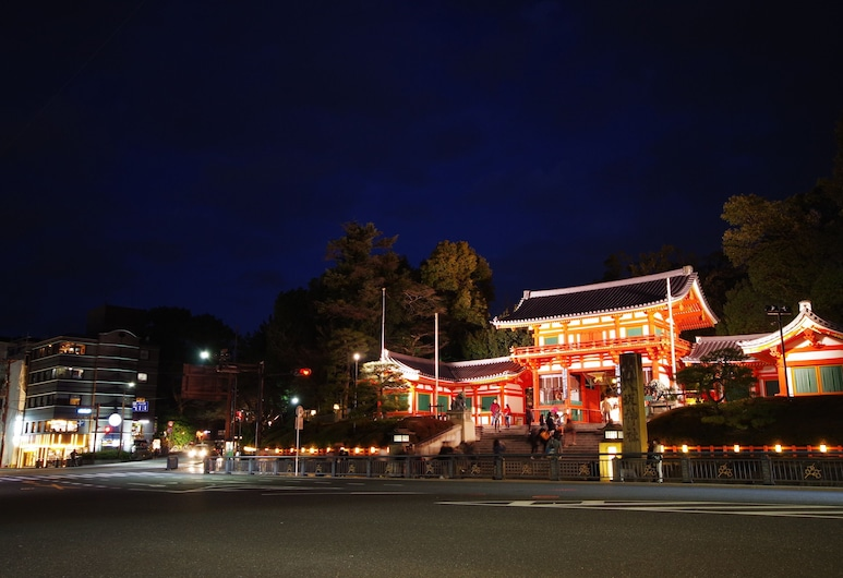 Hostel Ebi, Kyoto, Hotellets facade - aften/nat
