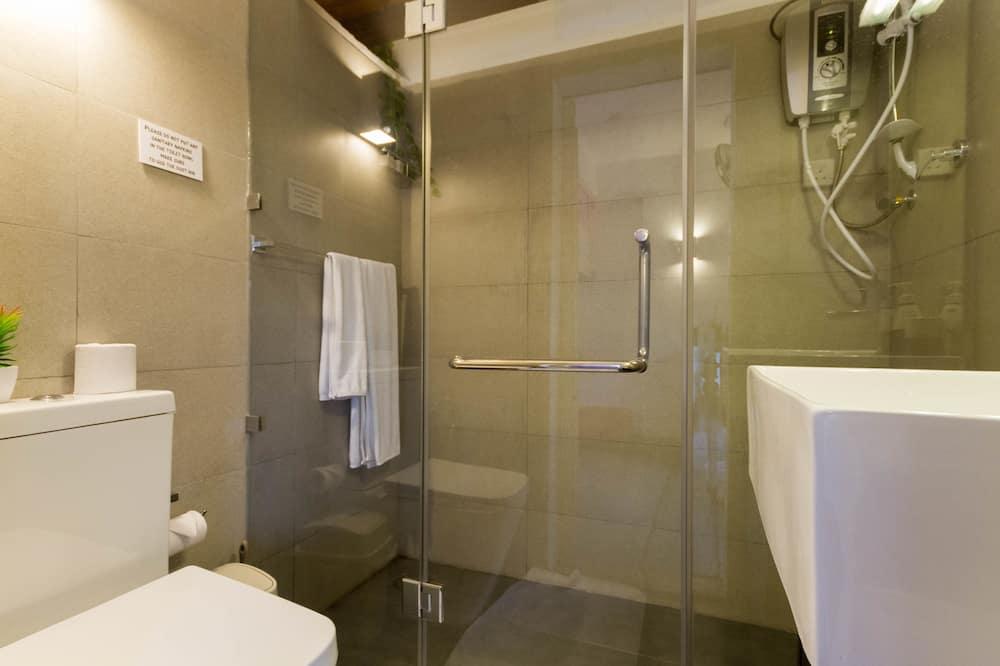 Standard Triple Room, 1 Bedroom - Bathroom