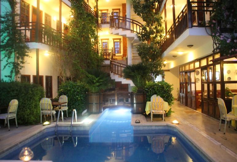 Hotel Karyatit Kaleiçi, Antalya, Außenpool
