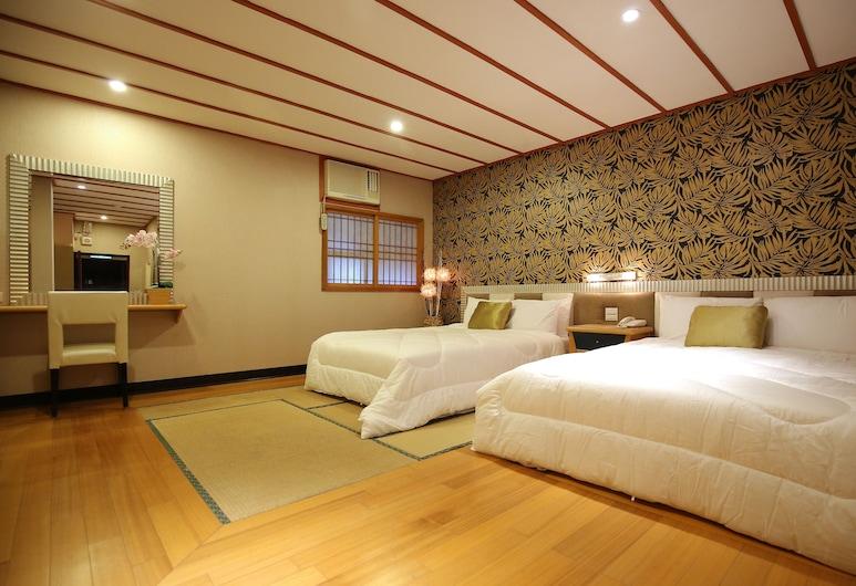 Gorgeous Hot Spring Resort, Taipei, Standard Quadruple Room, Bilik Tamu