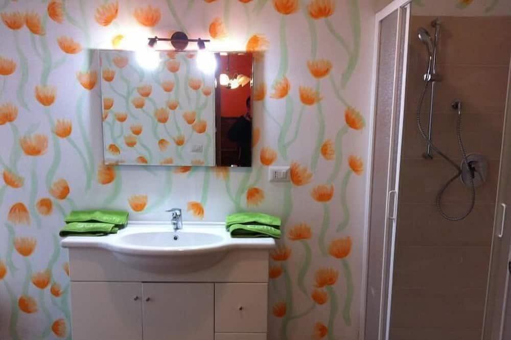 Superior Double Room, Balcony - Bathroom