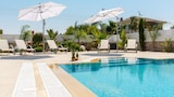 Choose this Villa in Ayia Napa - Online Room Reservations