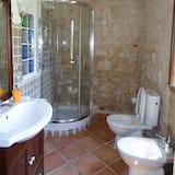 Studija su patogumais, 1 miegamasis, virtuvė, vaizdas į sodą - Vonios kambarys