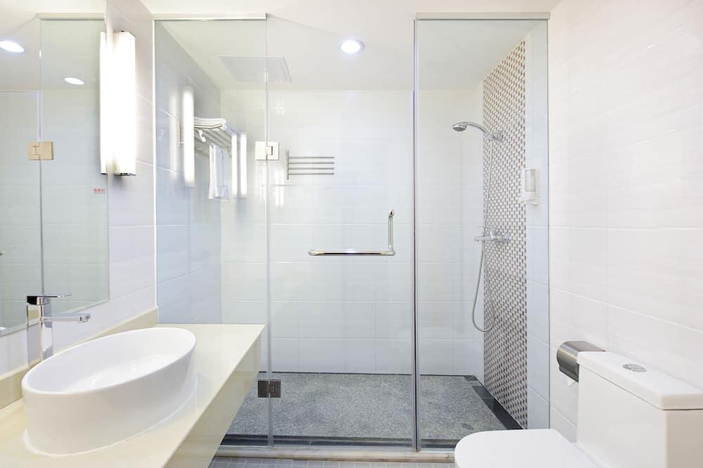 Deluxe Business Double Room - Bathroom