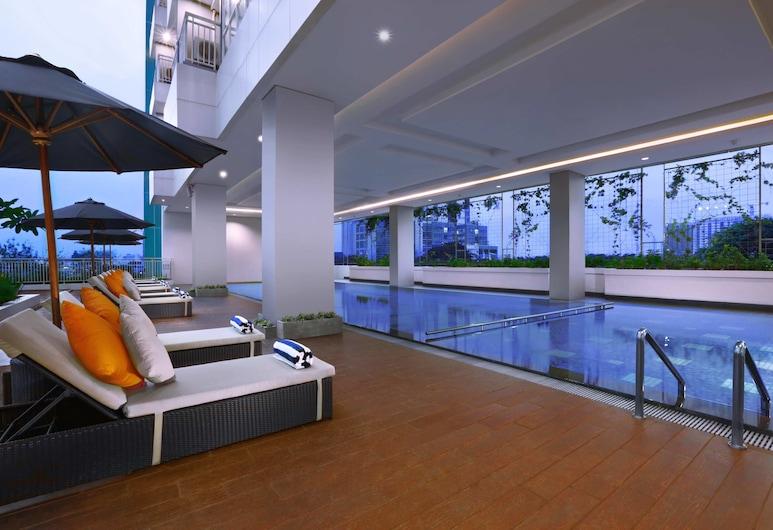 Harper MT Haryono by ASTON, Jakarta, Outdoor Pool