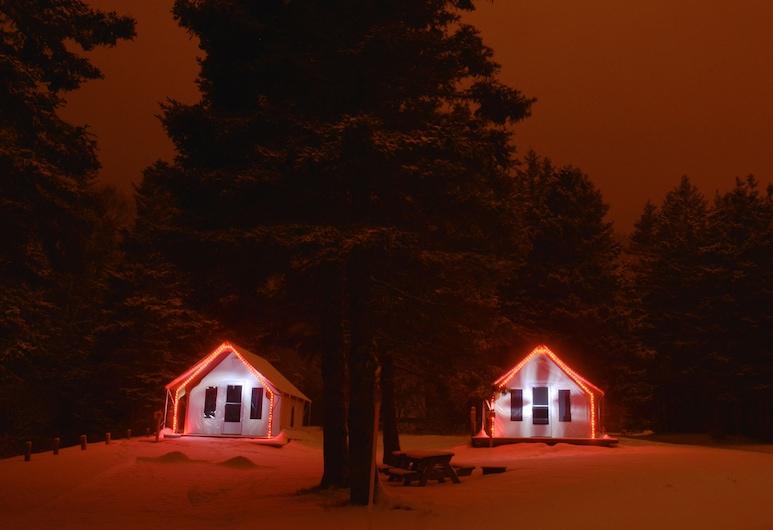 Maisonnettes Camping de la Baie de Perce, Percé, Habitación, Terraza o patio