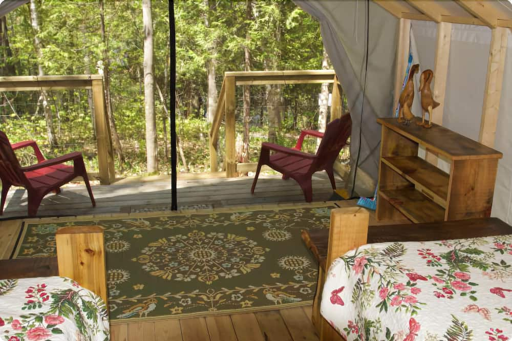 Luxury Tent, 2 Twin Beds - Living Area