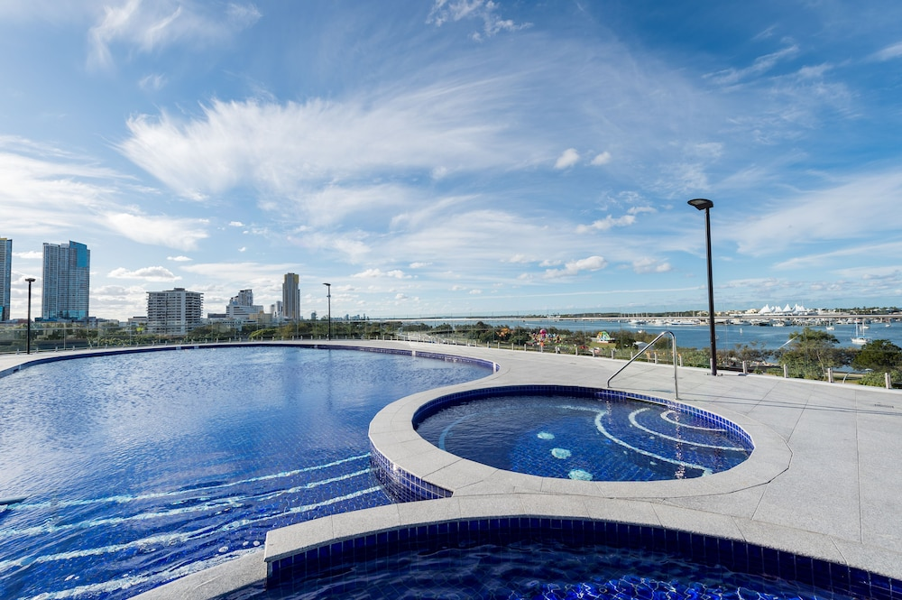 Meriton Suites Southport Gold Coast Southport Australia Southport Hotel Discounts