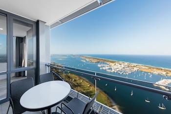 Gambar Meriton Suites Southport, Gold Coast di Southport