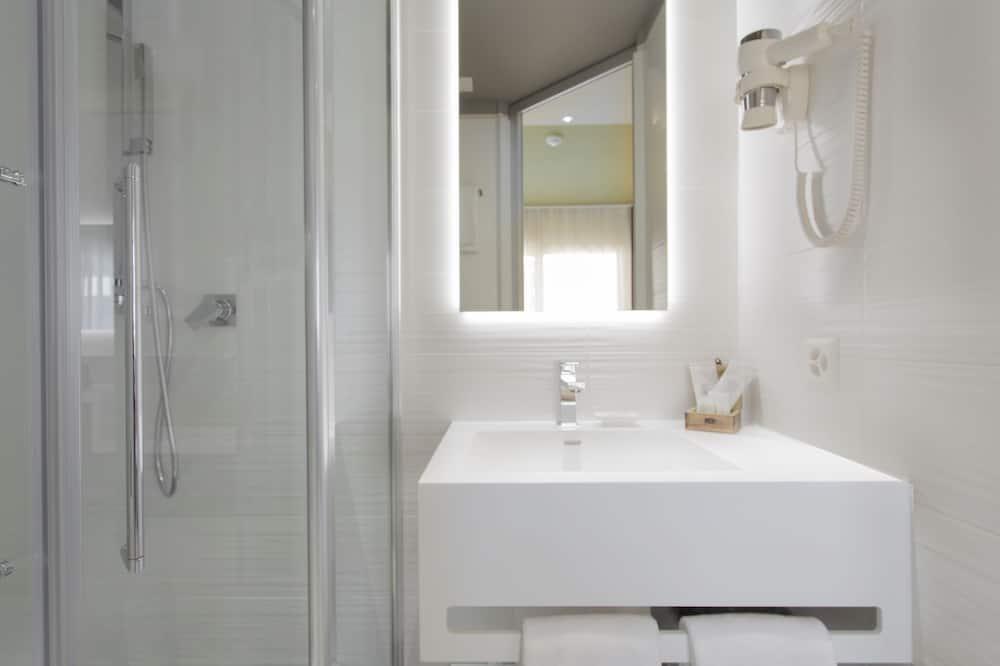 Economy Double Room - Bathroom