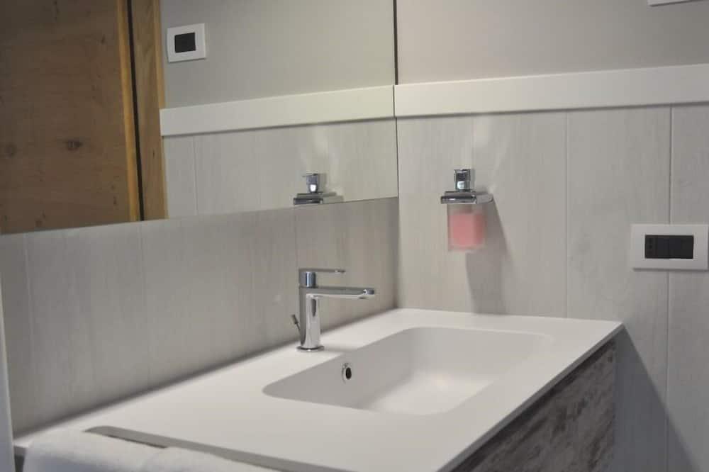 Comfort Double Room, Ensuite (Camera Matrimoniale 1) - Bathroom