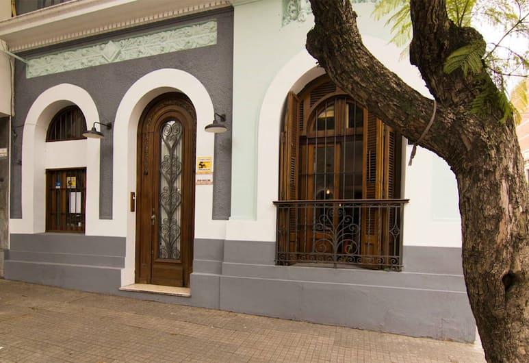 MedioMundo Hostel, Montevideo, Khu tổ chức tiệc cưới ngoài trời