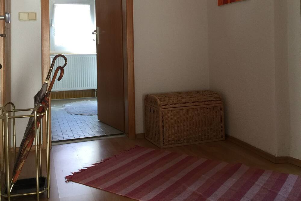 Classic Apartment, 3 Bedrooms, Balcony, Park View - Living Area