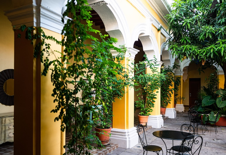 Hotel La Casona de Don Jorge, Colima, Courtyard