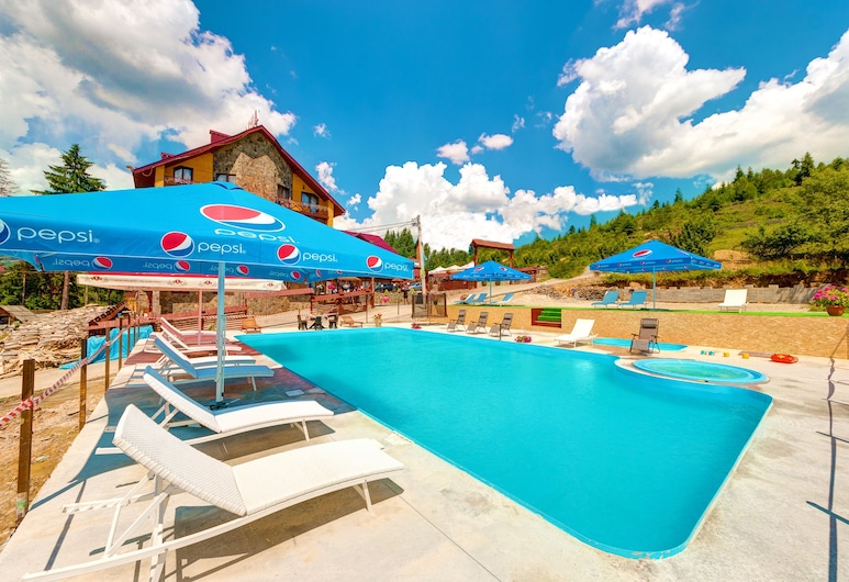 Villa Elena, Bukovel, Vonkajší bazén