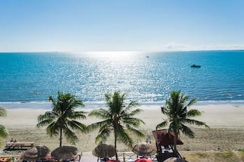 Picture of Ramada Suites by Wyndham Wailoaloa Beach Fiji in Nadi