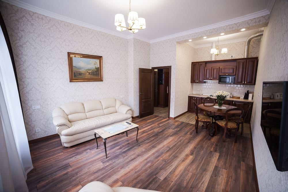 Apartament rodzinny, 1 sypialnia (Virmens'ka Street 2, ap.15) - Salon