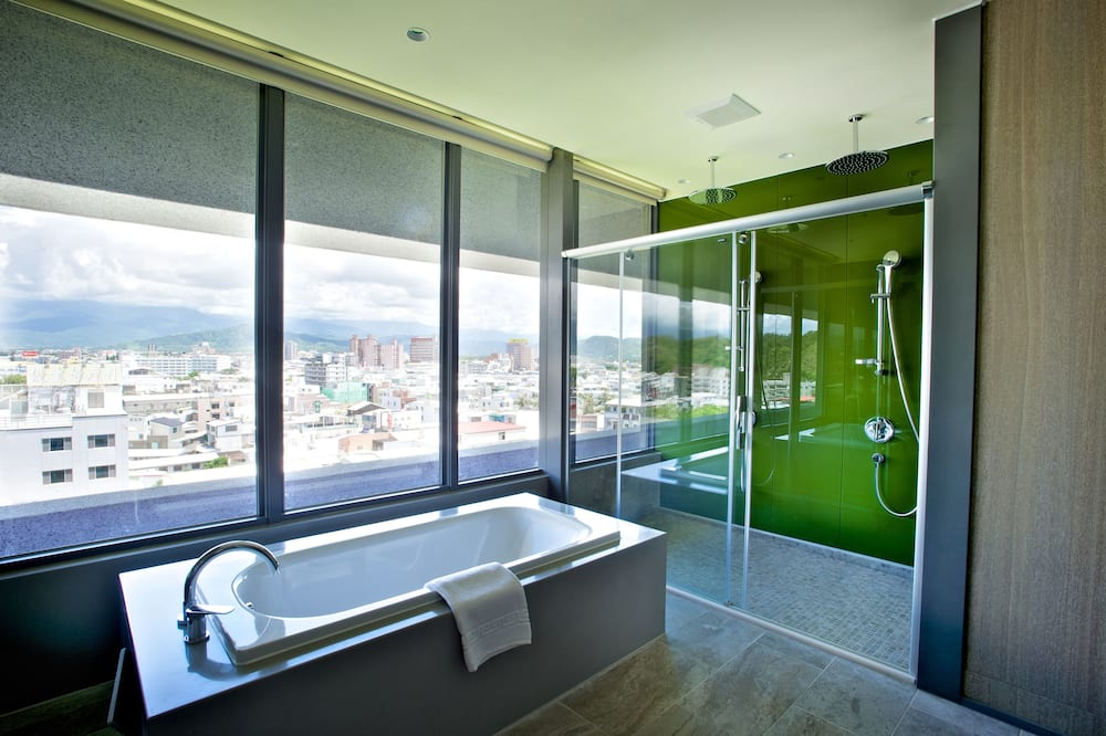 Luxury Double Room, 1 Bedroom, Hot Tub, Mountain View - Bathroom