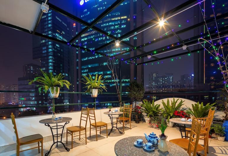 Busan Hotel, Hanoj, Terasa