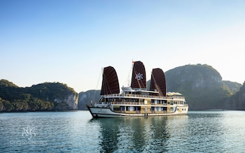 Enter your dates to get the best Halong hotel deal