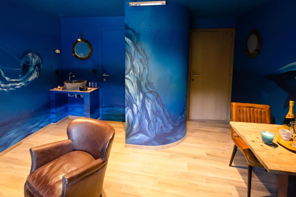 Titanic Suite, Mezzanine - Living Area