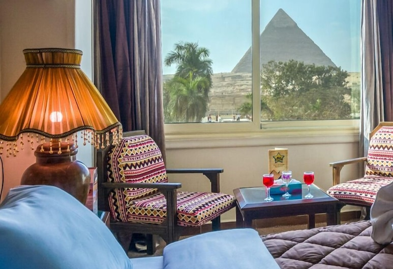 Great Pyramid Inn, Giza, Double or Twin Room with Pyramids View, Vierashuone