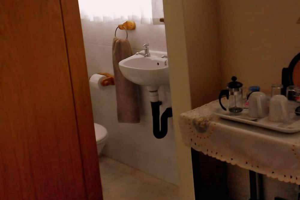 Royal Room - Bathroom