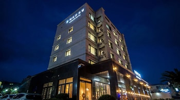 Picture of Haerian Hotel in Seogwipo