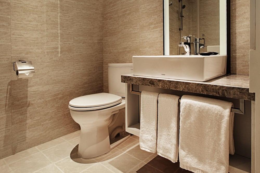 City Room - Bathroom