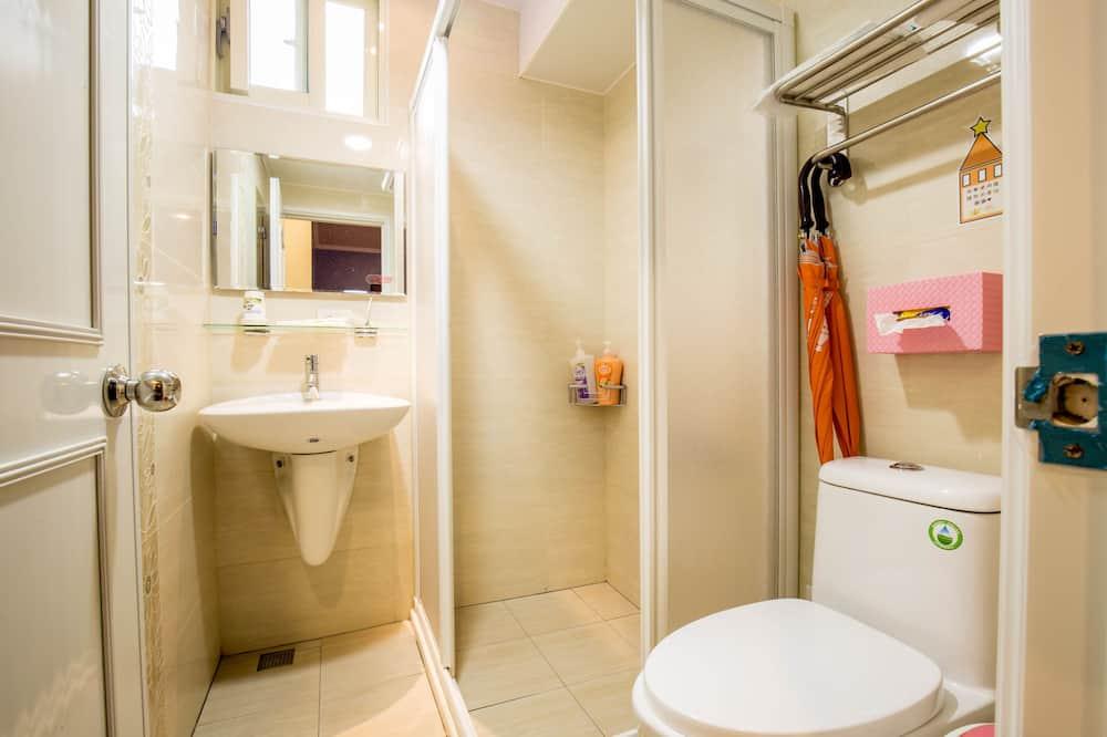 Elite-Vierbettzimmer, 2Doppelbetten - Badezimmer
