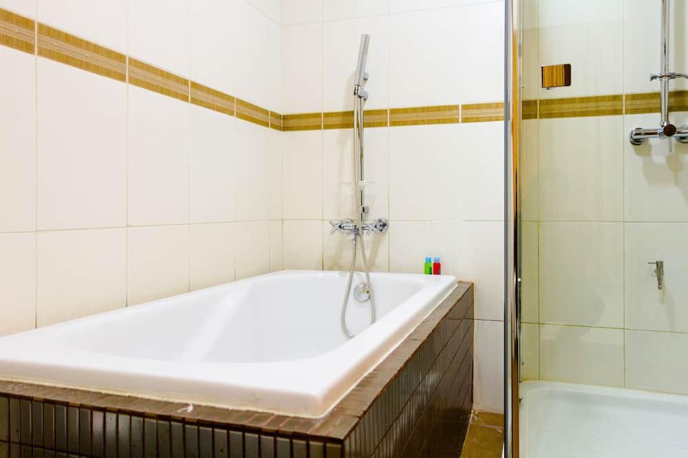 Honeymoon Suite, Non Smoking, Partial Sea View - Bathroom