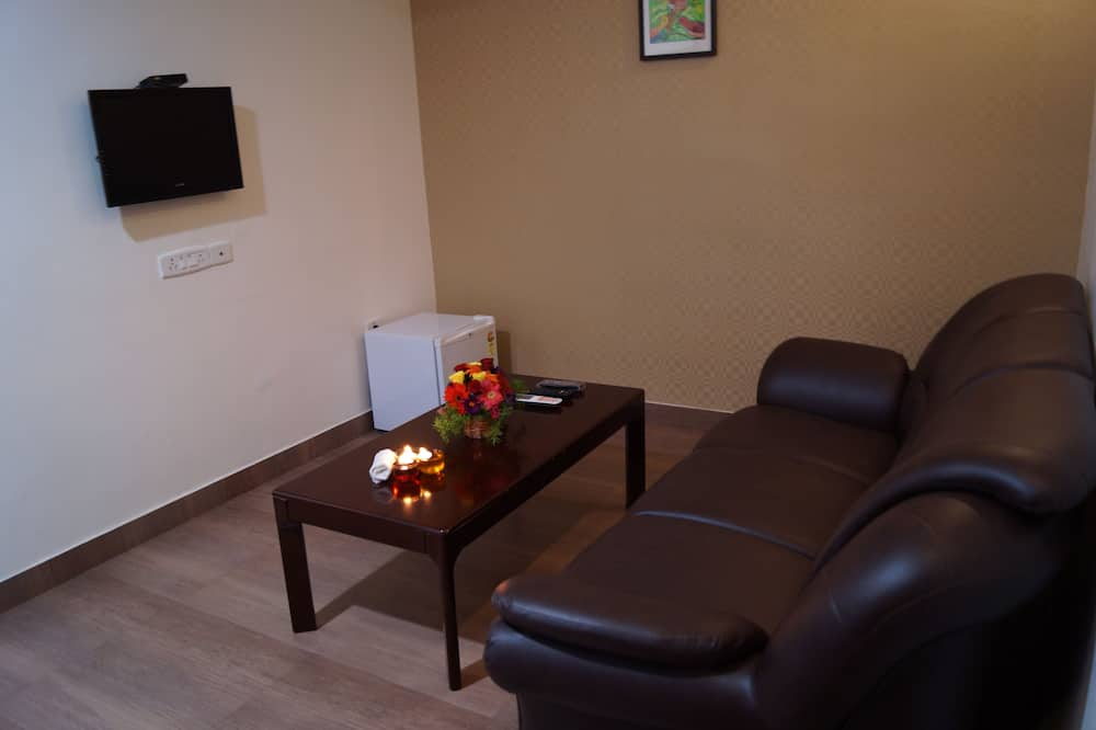 Winsar Suite - Living Room