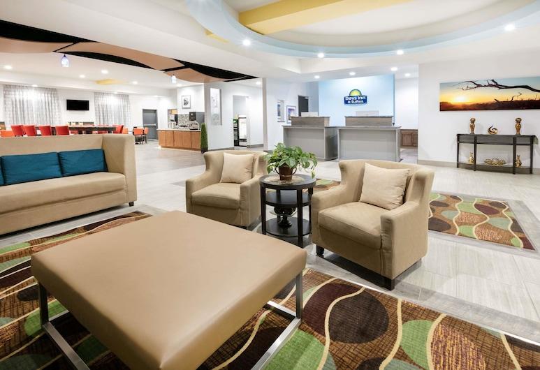 Days Inn & Suites by Wyndham Lubbock Medical Center, לובוק, לובי