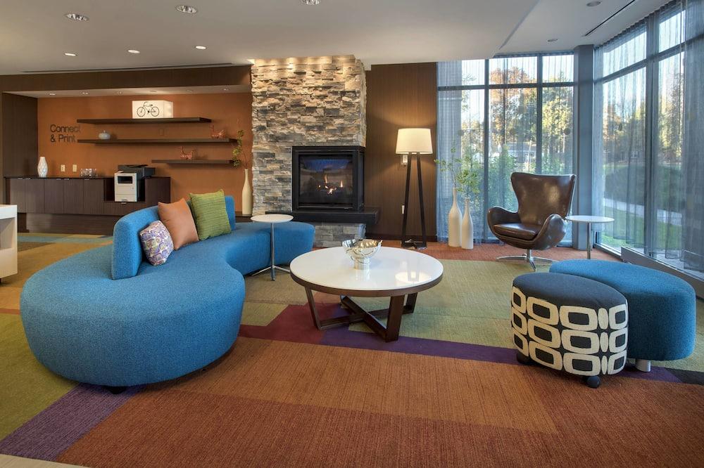 Fairfield Inn and Suites by Marriott Syracuse Carrier Circle, East Syracuse