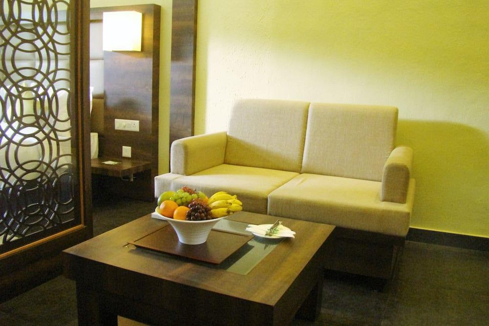 尊榮開放式客房, 1 張特大雙人床, 陽台, 山景 - 客廳