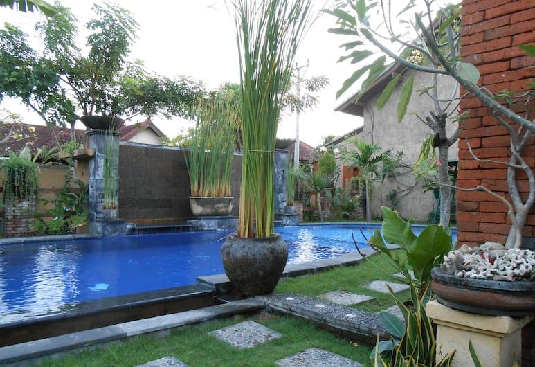 Praschita Bali, Denpasar, Kolam Renang Luar Ruangan