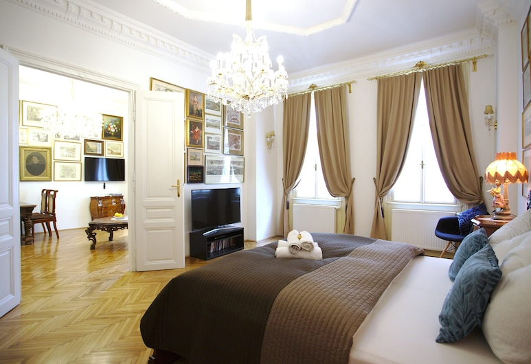 7th Heaven Vienna Center Apartments, Vienna, Comfort Apartment (Sissi), Room