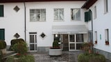 Valenza hotels,Valenza accommodatie, online Valenza hotel-reserveringen