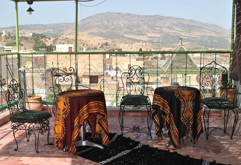 Dar Mounadim, Fes, Khu ẩm thực ngoài trời