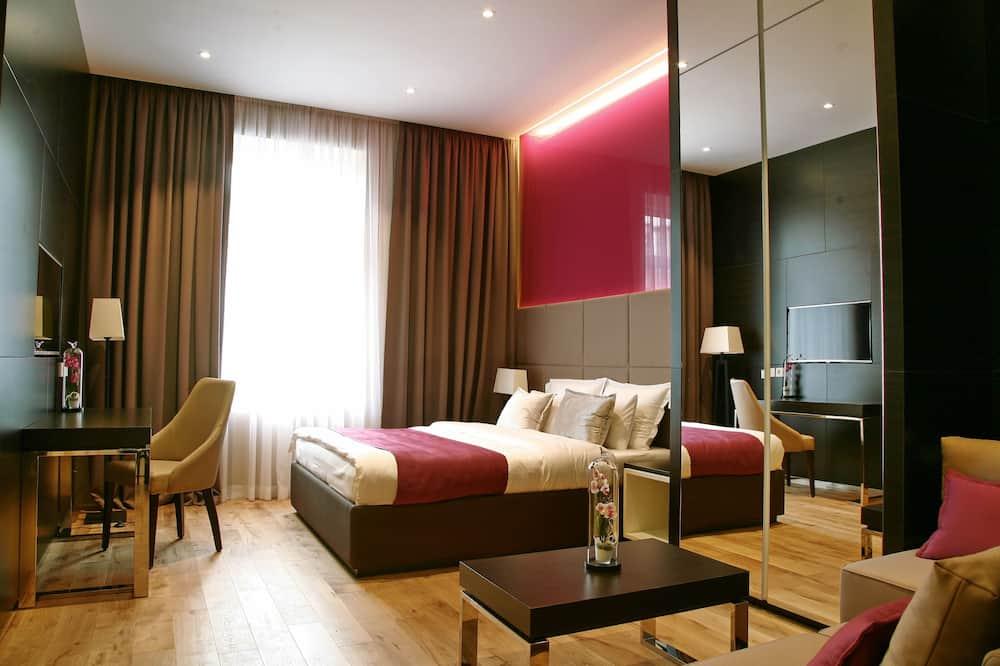 Junior Suite, 1 Bedroom, City View - Living Area