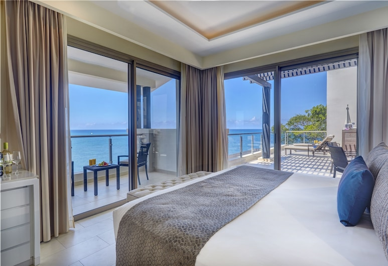 Hideaway at Royalton Negril - Adults Only - All Inclusive, Negril, Luxury Penthouse One bedroom suite Ocean view terrace jacuzi Diamond Club, נוף מחדר האורחים