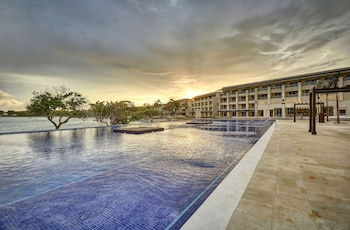 Picture of Royalton Negril Resort & Spa - All Inclusive in Negril