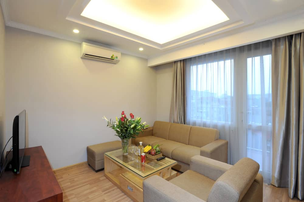 Deluxe Room - Living Room