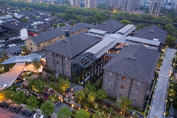 Picture of Cheery Canal Hotel Hangzhou in Hangzhou