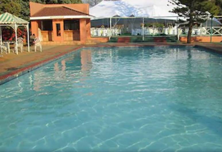 Oasis Motel, Gaborone, Piscina al aire libre
