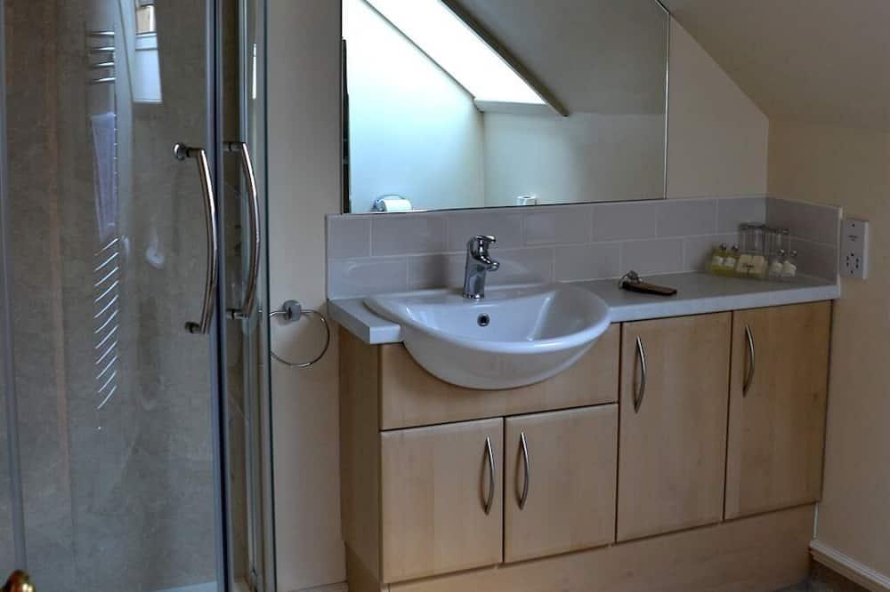 Dvokrevetna soba, s kupaonicom, pogled na more - Kupaonica