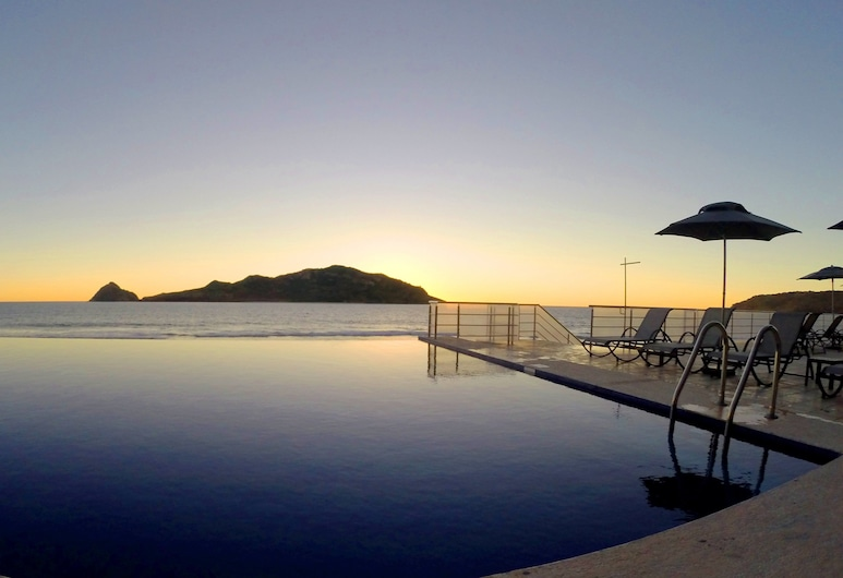 Holiday Inn Resort Mazatlan, Mazatlán, Piscina infinita